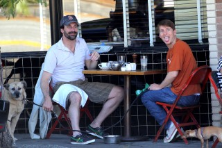 BFF Alert! Jon Hamm & Jack McBrayer Grab a Bite to Eat (PHOTOS)