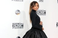 2016 American Music Awards: Ciara's Baby Bump Makes Its Debut on the Red Carpet