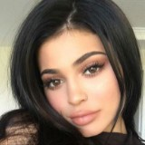 This Is How Kylie Jenner Hosted Her First Kardashian/Jenner Thanksgiving