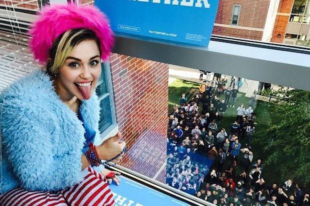 Miley-Cyrus-Vote-Clinton