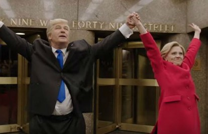 WATCH: Alec Baldwin and Kate McKinnon Drop Act for a Moment of Clarity on 'SNL'