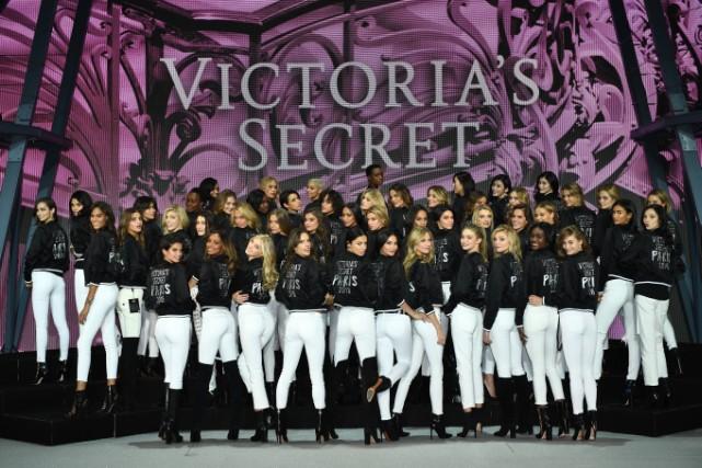 2016 Victoria's Secret Fashion Show - Photo Op At Grand Palais