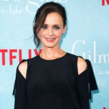 Alexis Bledel Accidentally Revealed a Major 'Gilmore Girls' Spoiler