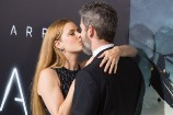 Amy Adams and Husband Darren Le Gallo Lock Lips at the Premiere of 'Arrival'
