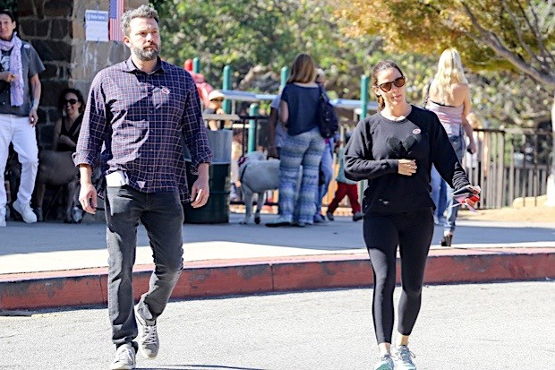 Jennifer Garner and Ben Affleck leave their troubles behind and cast their votes together!