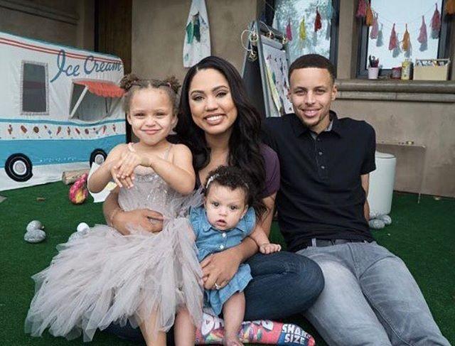 celeb-family-photos-6-1479495942