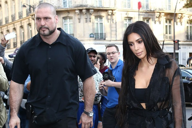 kim-kardashian-pascal-duvier-110316