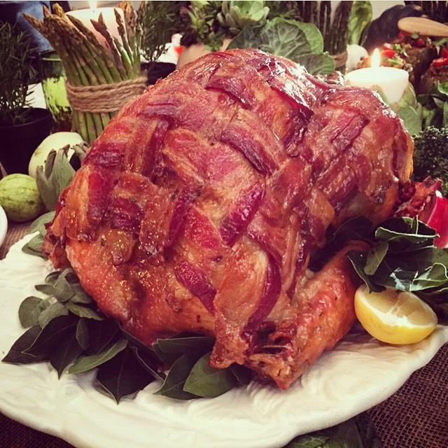 tori-spelling-thanksgiving