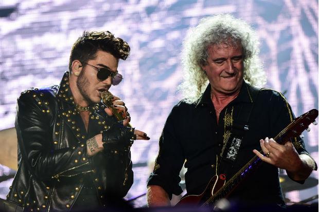 adam lambert queen brian may perform stage concert show