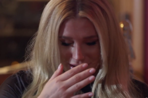 Watch Kesha Break Down in Tears