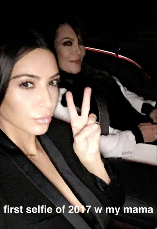 kim-selfie-1516