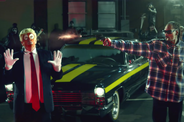 donald trump clown snoop dogg gun shoot