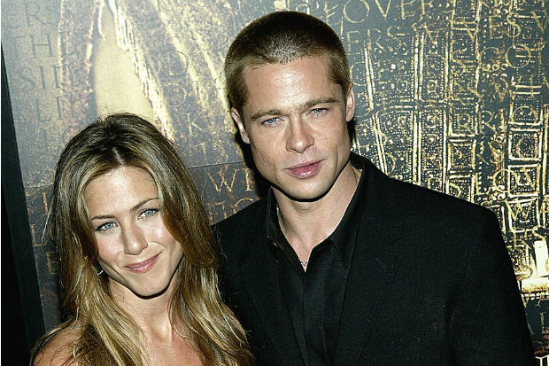 how did aniston and pitt meet