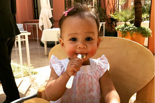 chrissy teigen john legend daughter baby luna