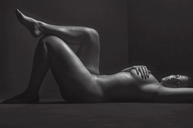 ashley graham topless nude naked nipples vagina full frontal nsfw