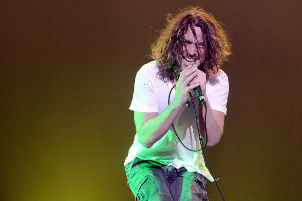 chris cornell concert stage perform live