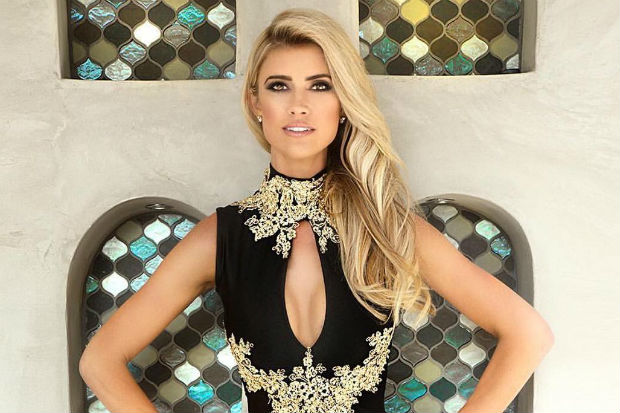 flip or flop christina el moussa sexy hot cleavage