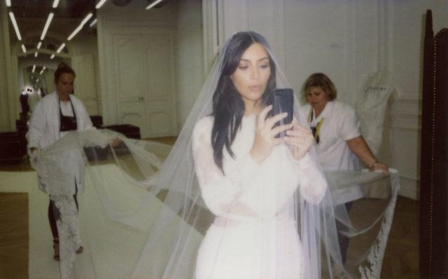 kim-kardashian-wedding-dress-fitting-52617