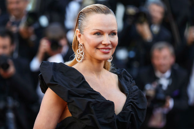 People Freaking Out Over Pamela Anderson's Cannes Look Lead Today's Star Sightings