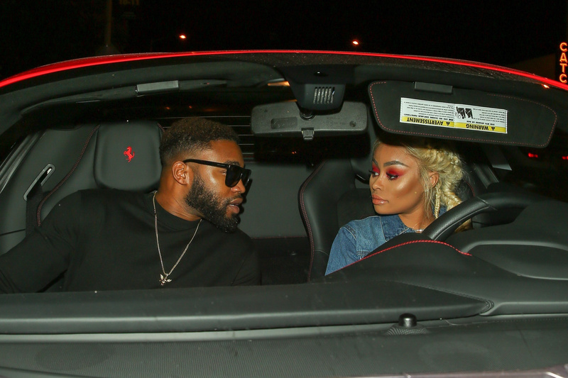 blac chyna dating Rob kardashian is turning it all around in 2016 in addition to getting back into shape after receiving his diabetes diagnosis, the reclusive keeping up with the kardashian star also seems to have found a new romance e news can confirm that rob is dating blac chyna, but it's a tad complicated a.