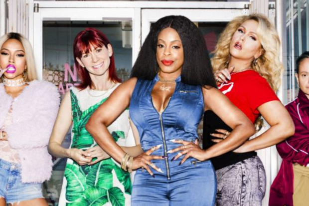 'Claws' Is Captivating!