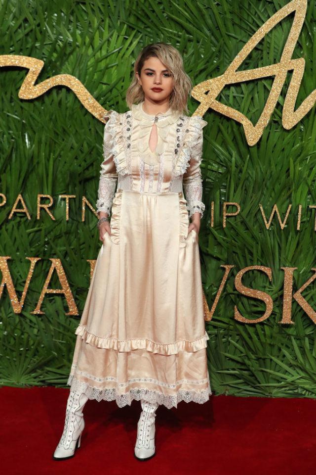 selena gomez 2017 british fashion awards