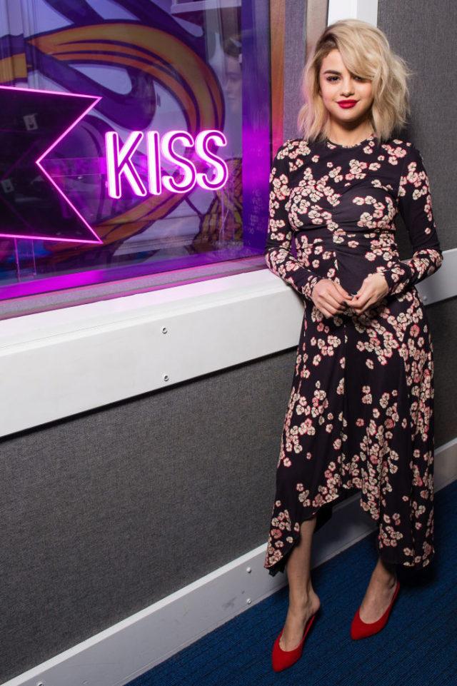 Selena Gomez floral kiss fm