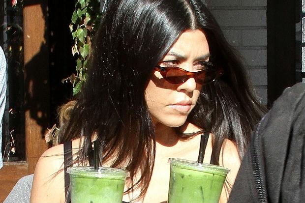 kourtney kardashian green smoothie juice matcha green tea