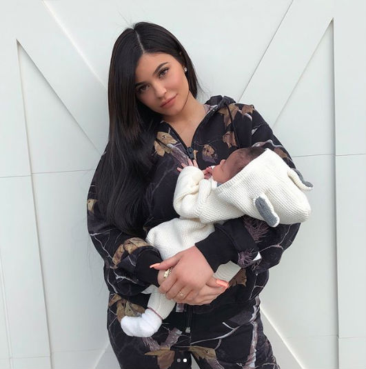 kylie jenner baby girl daughter stormi