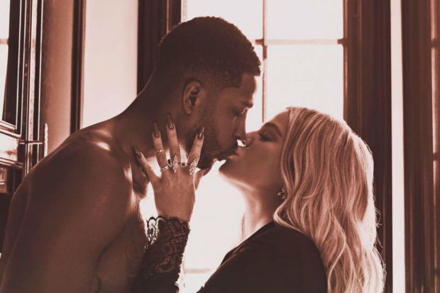 khloe kardashian tristan thompson kiss