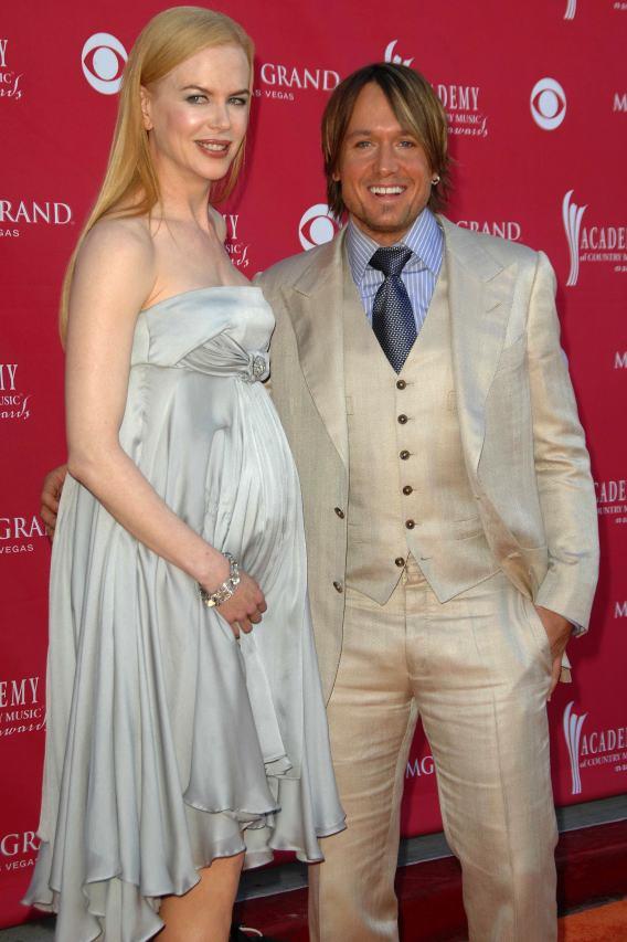 Nicole Kidman's Belly Swells…Finally