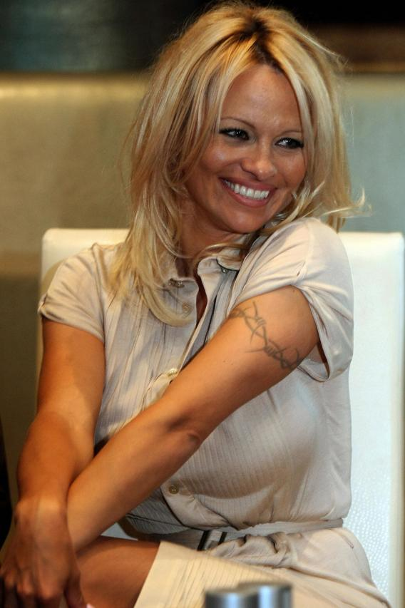 Pam Anderson Threatens to Have a Reality Wedding