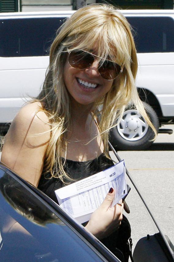 Kristin Cavallari Gets Parking Ticket…and Photo Op