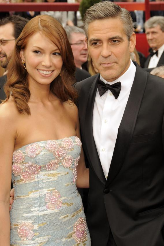 Did Sarah Larson's Chest Scare Off George Clooney?
