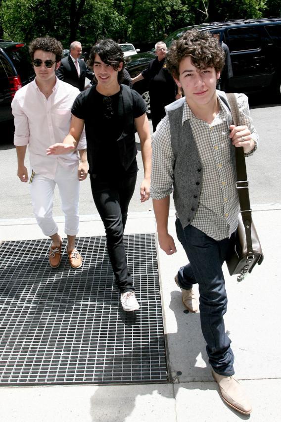 Jonas Brothers Walk the Walk