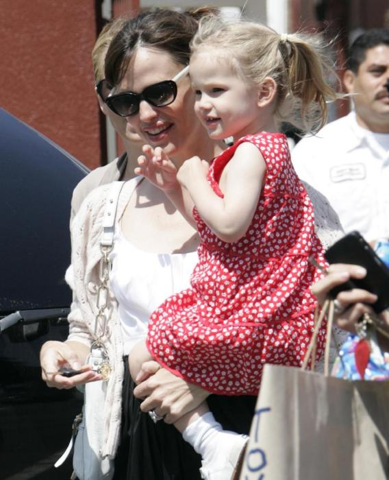 Violet Affleck Is Jennifer Garner's Mini-AAA