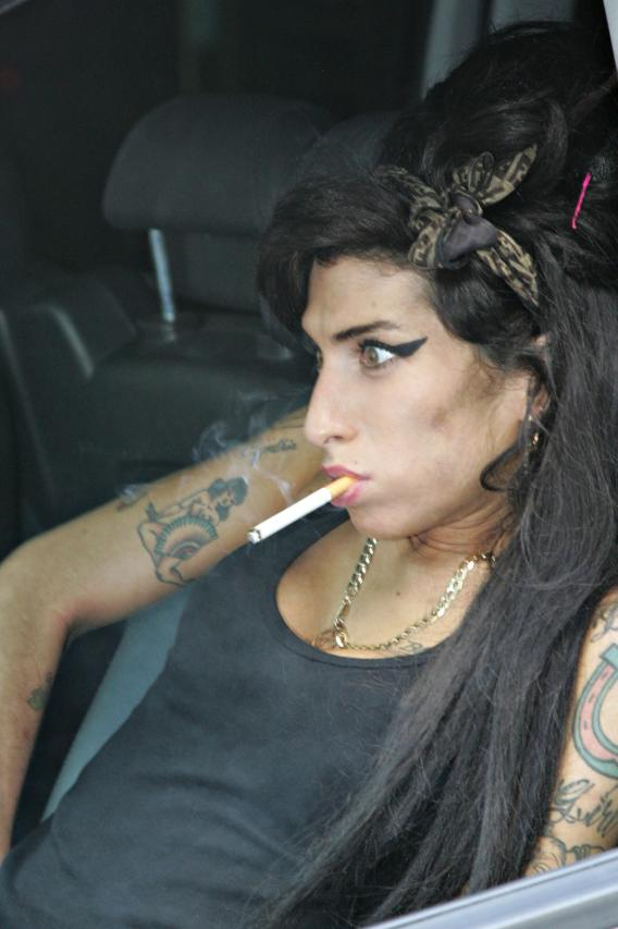 Amy Winehouse Is Smokin' Healthy!