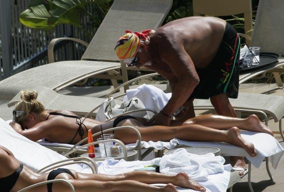 Brooke Hogan Cheeks in on Bikini-Pic Controversy
