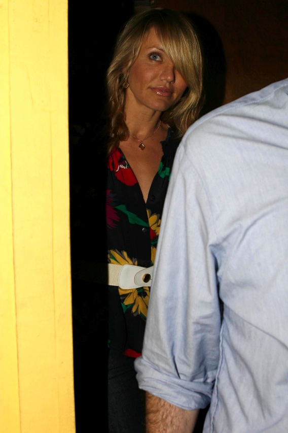 So Diaz, Lohan and Ronson Walk Out of a Restaurant…