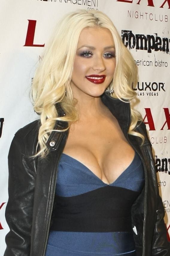 The Bust Photo Gallery Ever: Top 10 Celebrity Cleavage