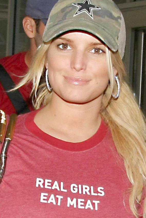 Jessica Simpson Gets Pam Anderson All Ground Up