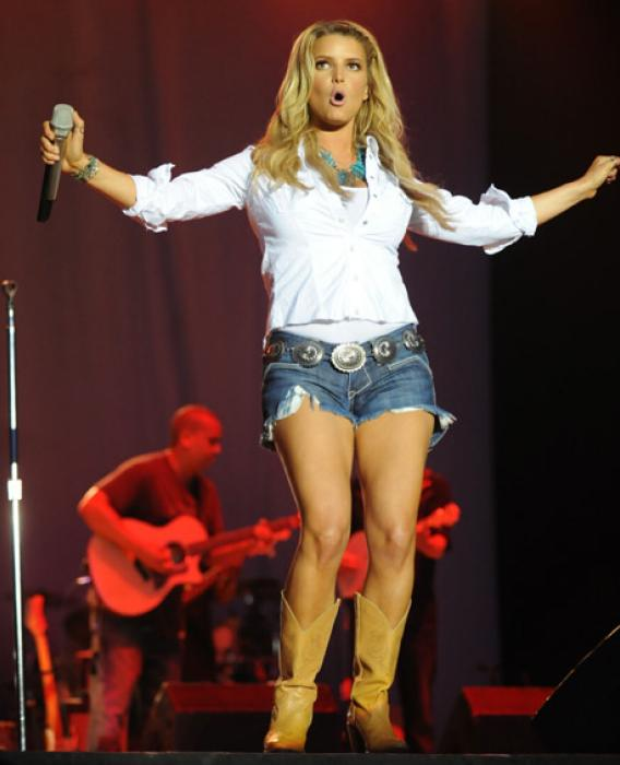 Country Fans Just Say No to Jessica Simpson