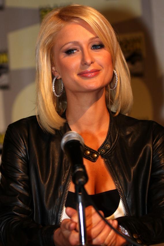 Paris Hilton Bang Pow Zaps Her Way Into Comic-Con