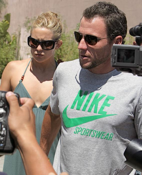 Kate Hudson, Lance Armstrong: No More Tandem Biking