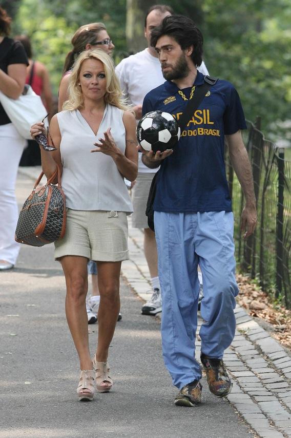 Pamela Anderson: Dude Magnet