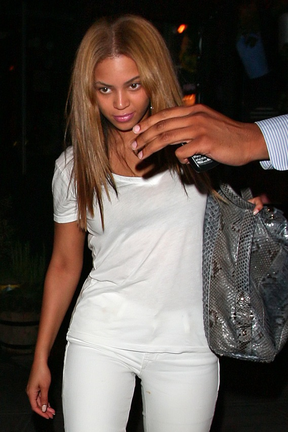 Beyonce and Jay-Z Caught Looking Married