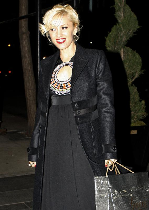 Gwen Stefani to Deliver Baby #2 Today!