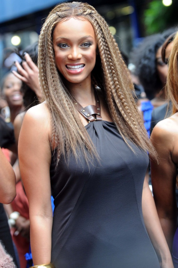 Tyra Banks Crimps Weave to Celebrate Black 'Vogue'