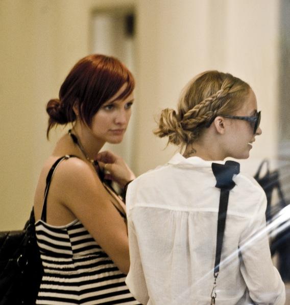 Ashlee Simpson and Nicole Richie: Retail Pals