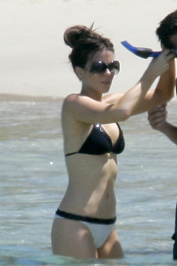 Morning Frills #33: Snorkeling 101 With Kate Beckinsale